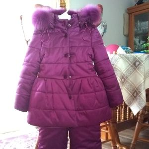 Other - Girl snowsuit size 4 years
